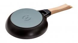Staub Kochgeschirr Bratpfanne Schmorpfanne mit Holzgriff Schwarz 26 cm